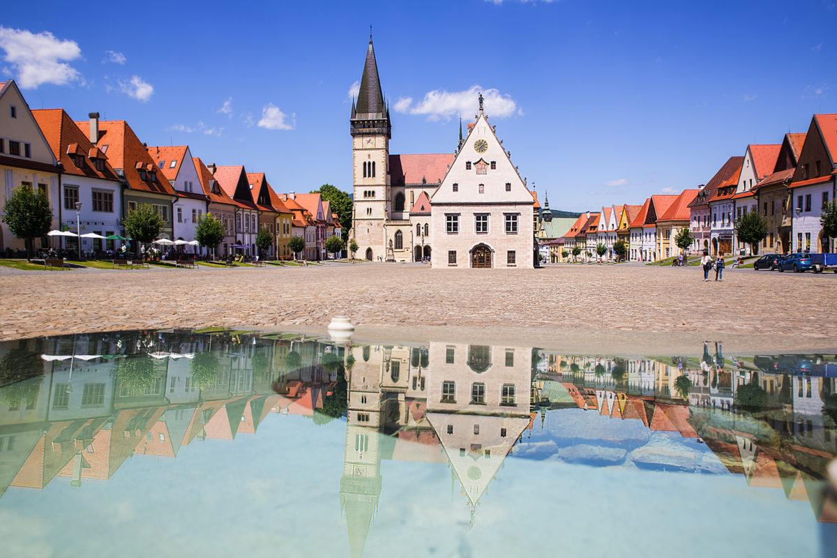 Rynek w Bardejowie – urokliwe miasteczko wśród gór i lasów