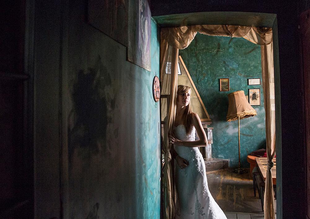 fotografia w trudnych warunkach oświetleniowych – fotografia ślubna